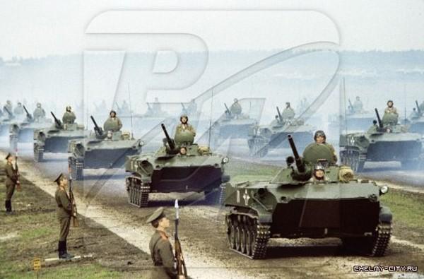 Những hình ảnh ấn tượng về cuộc tập trận lớn nhất lịch sử Liên Xô - ảnh 3