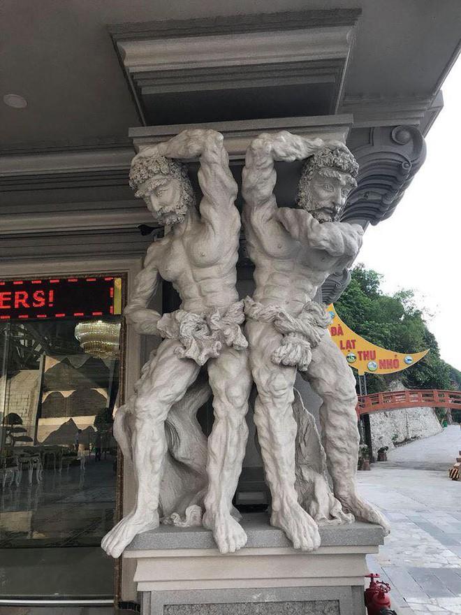 Công viên ở Hải Phòng trưng bày loạt tượng hài hước: Những bức tượng đã có hơn 10 năm nay, không hiểu sao mọi người lại xôn xao - Ảnh 2.