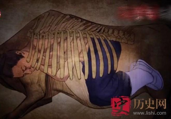trúng tên chí mạng, tướng mông cổ được thành cát tư hãn nhét vào bụng bò, cải tử hoàn sinh - ảnh 2.