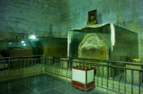 Bí ẩn thi thể Lệnh phi vẫn nguyên vẹn sau 153 năm chôn cất trong lăng mộ Càn Long - Ảnh 2.