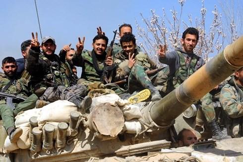 Nga có vũ khí siêu việt nào khiến Mỹ bất lực ở Syria, chấp nhận mất trắng hàng nghìn tỷ USD? - Ảnh 1.