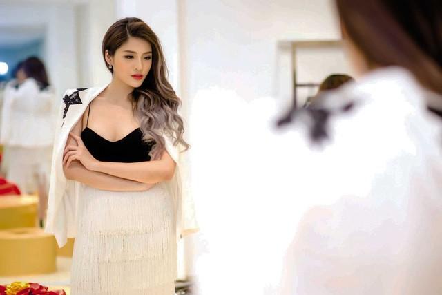 Hoa hậu nổi tiếng: Bị lừa, bị sàm sỡ nhưng vẫn phải ngậm bồ hòn làm ngọt - Ảnh 4.