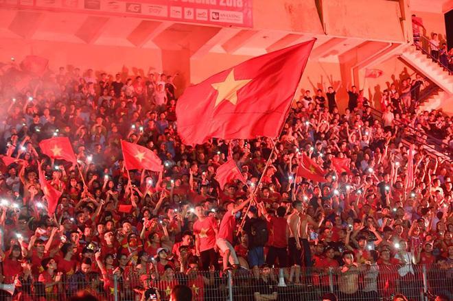 ĐS Anh tại Việt Nam khen ngợi Văn Toàn ghi bàn tuyệt vời, chúc mừng VN vào bán kết - Ảnh 2.