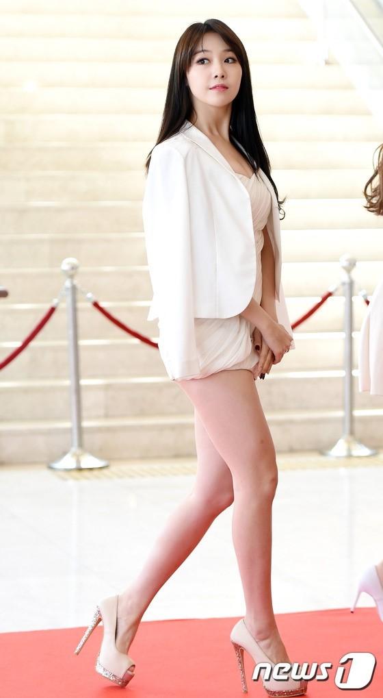 Bùi Tiến Dũng - Son Heung-min: Hai ngôi sao U23 nhiều duyên phận với các mỹ nhân showbiz - Ảnh 21.