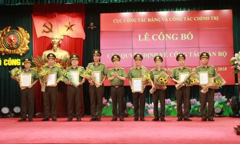 Cục Công tác Đảng và Công tác Chính trị công bố các quyết định cán bộ - Ảnh 1.