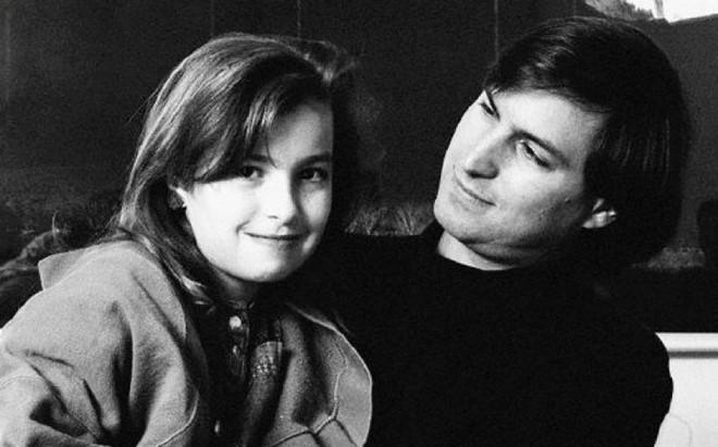 Lạnh lùng, mưu mô và keo kiệt: Steve Jobs mang một hình ảnh rất khác từ lời kể của con gái ruột - Ảnh 1.
