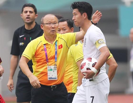 CĐV xứ Kim Chi: Hàn Quốc thắng đúng không nhỉ? Tôi đang phát điên ở Hà Nội rồi đây! - Ảnh 6.