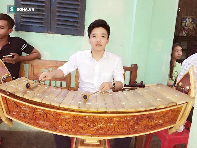 Nghệ sĩ Lê Bình gặp chuyện không hay trước thông tin con ruột du học Canada và giàu có - Ảnh 7.