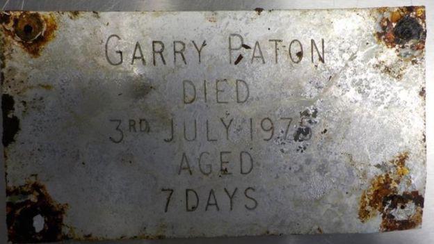 42 năm tìm sự thật về thi thể của con trai, người mẹ đau đớn phát hiện điều khủng khiếp khi nấm mồ được khai quật lại - Ảnh 2.