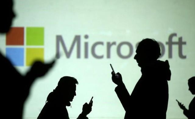 Chuyện thật như đùa: Steve Jobs làm ra iPhone là để trả đũa một nhân viên đáng ghét ở Microsoft? - Ảnh 2.