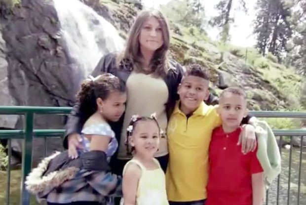 Nỗi oan thấu trời của bà mẹ 4 lần sinh con, cả 4 đều không cùng huyết thống, bị nghi lừa đảo và suýt mất quyền nuôi dưỡng - Ảnh 2.