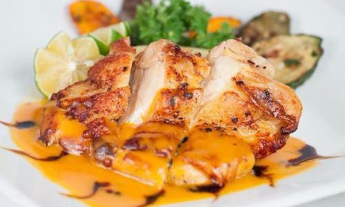5 lý do các chuyên gia khuyên bạn nên ăn thịt gà thay vì lựa chọn thịt lợn và thịt bò! - Ảnh 3.