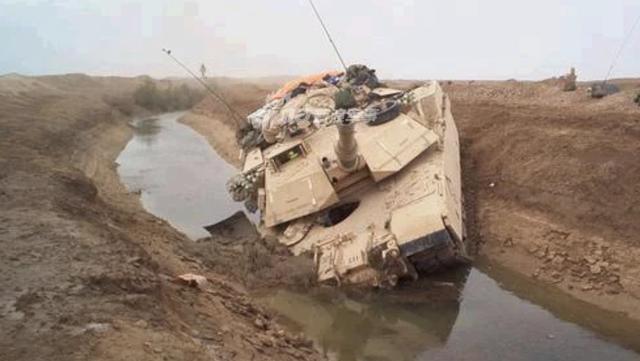 [ẢNH] Những sự cố hy hữu xảy ra với xe tăng chiến đấu chủ lực - ảnh 7
