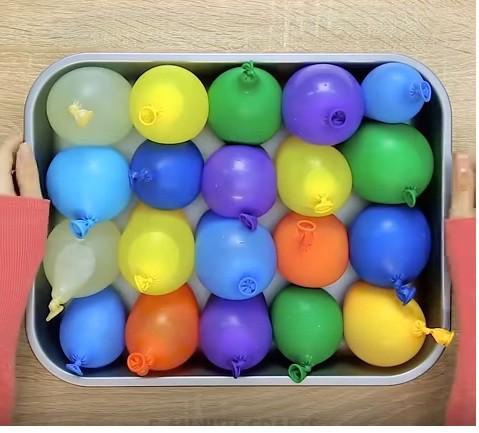 Cho nước vào bóng bay rồi để vào ngăn đá, bạn sẽ có thứ tuyệt vời dành cho các bữa tiệc - Ảnh 2.
