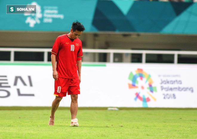 U23 Việt Nam buồn bã cúi đầu, NHM bật khóc sau loạt đấu súng - Ảnh 6.