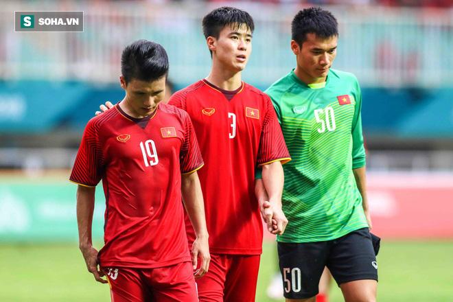 U23 Việt Nam buồn bã cúi đầu, NHM bật khóc sau loạt đấu súng - Ảnh 8.