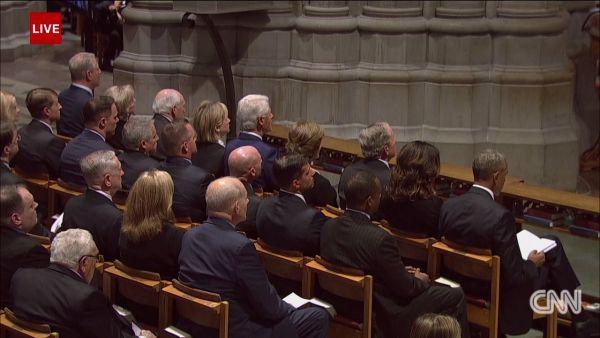 Tưởng niệm TNS John McCain: Con gái Meghan McCain tiễn cha bằng bài phát biểu nghẹn ngào - Ảnh 3.