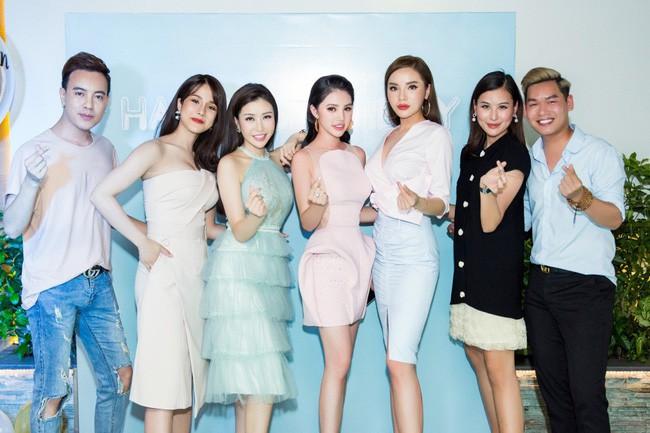 Những hội bạn thân nức tiếng showbiz Việt: Nhóm thân tới nỗi giống hệt nhau, nhóm lại lầy lội cứ xuất hiện là gây cười - Ảnh 16.