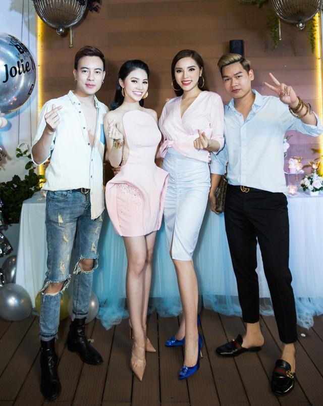 Những hội bạn thân nức tiếng showbiz Việt: Nhóm thân tới nỗi giống hệt nhau, nhóm lại lầy lội cứ xuất hiện là gây cười - Ảnh 18.