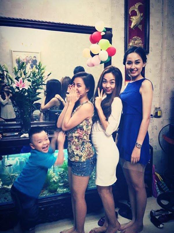 Những hội bạn thân nức tiếng showbiz Việt: Nhóm thân tới nỗi giống hệt nhau, nhóm lại lầy lội cứ xuất hiện là gây cười - Ảnh 22.