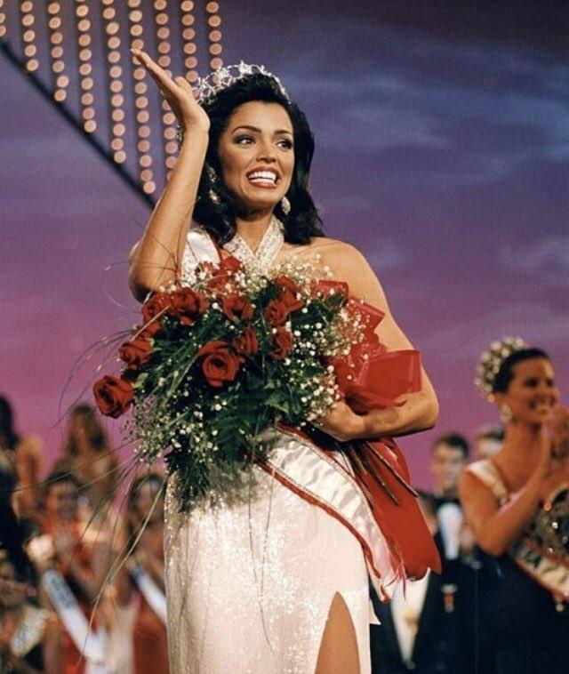 Cựu Hoa hậu Hoàn vũ từng làm nên kỳ tích đặc biệt qua đời khi mới 45 tuổi và đây là lý do - Ảnh 1.