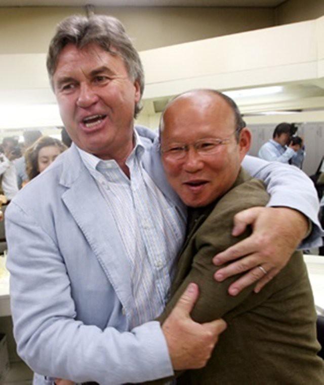 Báo Hàn Quốc chỉ ra một thứ mà HLV Park Hang-seo có nhưng Guus Hiddink thì không - Ảnh 2.