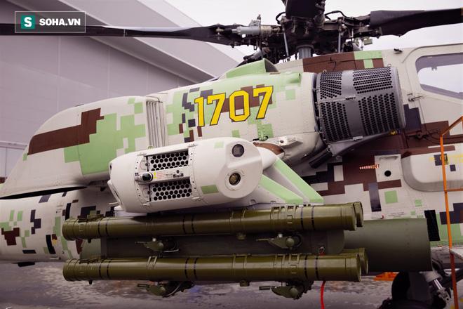 PV VN duy nhất ngồi trực thăng Mi-28NE: Phát hiện có biểu tượng thần thánh thời bao cấp - Ảnh 3.