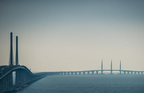 Chuyên gia lo ngại bão Mangkhut làm sập cây cầu dài nhất thế giới tại Trung Quốc - ảnh 2