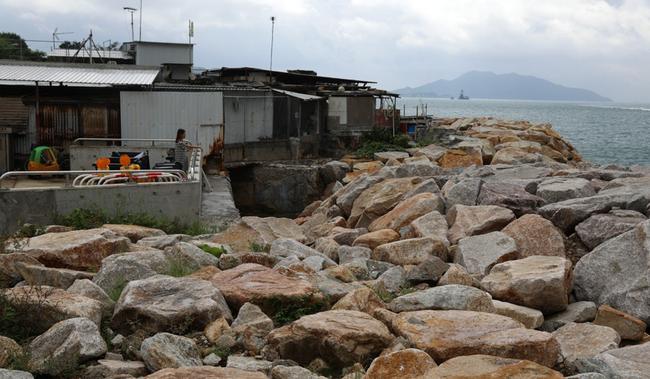 Công tác phòng chống bão ở toàn Hong Kong vẫn đang được gấp rút triển khai.