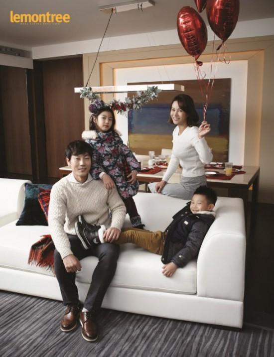 """Song Jong Kook: Quả báo cho """"David Beckham của Hàn Quốc"""" khi bỏ rơi vợ đẹp con xinh để chạy theo bồ nhí - ảnh 4"""