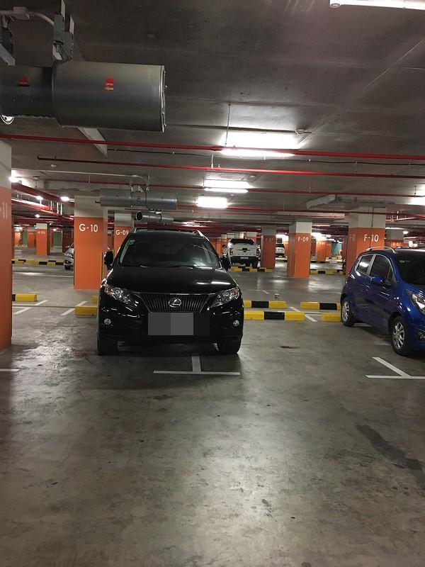 Chọn chỗ bóng râm đỗ ô tô, tài xế tạo nên hình ảnh khiến ai nhìn cũng thấy ngao ngán - ảnh 6