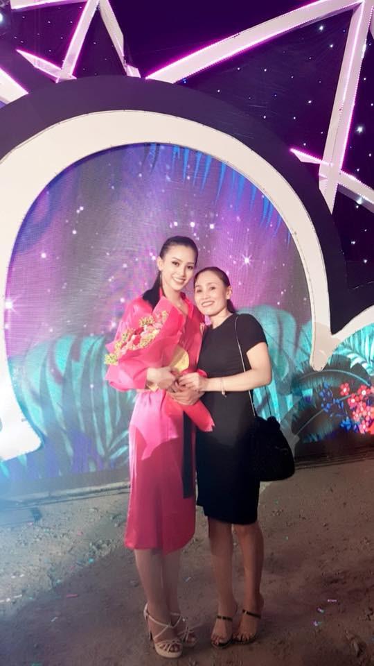 Tân Hoa hậu Việt Nam 2018 Trần Tiểu Vy: Thí sinh nhỏ tuổi nhất, vấp ngã khi thi Người đẹp biển - ảnh 8