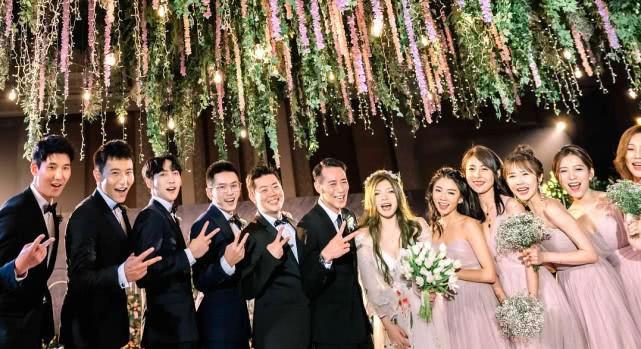Đám cưới nhỏ bỗng chốc trở thành tiêu điểm chú ý vì sự xuất hiện đẹp hơn hoa của Triệu Vy - Ảnh 5.