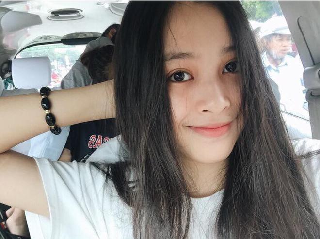 Tân hoa hậu Trần Tiểu Vy thể hiện bản thân như thế nào trên mạng xã hội? - ảnh 1