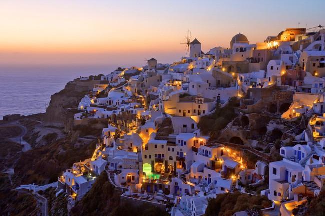 15 ngôi làng đẹp như bước ra từ cổ tích với kiến trúc độc đáo cùng phong cảnh hữu tình - Ảnh 14.
