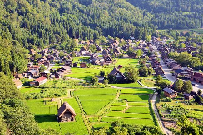 15 ngôi làng đẹp như bước ra từ cổ tích với kiến trúc độc đáo cùng phong cảnh hữu tình - Ảnh 8.