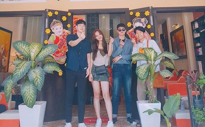 Gia cảnh tân Hoa hậu Việt Nam 2018 Trần Tiểu Vy: Bố bị tai biến, mẹ là trụ cột gia đình - Ảnh 1.