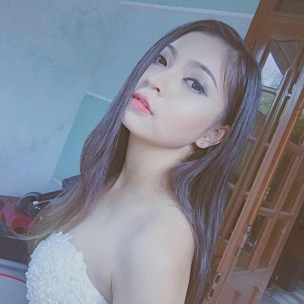 Không chỉ tân hoa hậu, các hot girl xứ Quảng cũng khiến dân mạng không thể rời mắt - Ảnh 14.