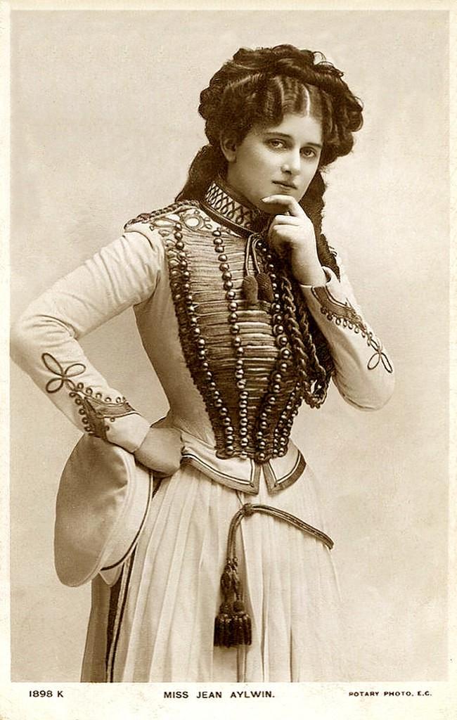 Những người phụ nữ đẹp nhất hơn 100 năm qua - có thể sẽ khiến bạn ngẩn ngơ! (P2) - Ảnh 4.