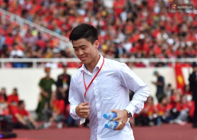Gia thế ít người biết của bạn gái tiền vệ U23 Việt Nam - Đỗ Duy Mạnh - Ảnh 3.