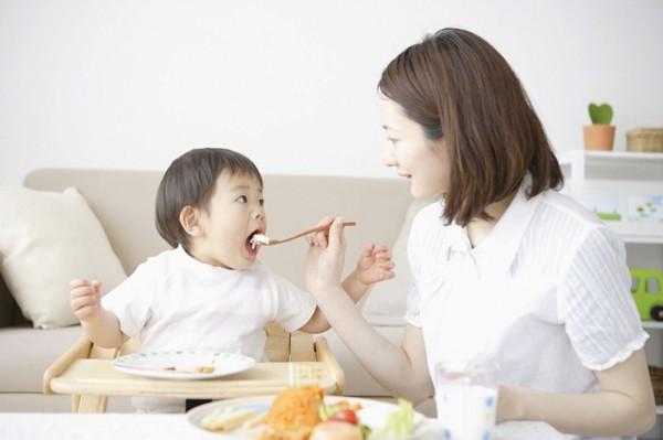 Chế độ ăn của trẻ suy dinh dưỡng thấp còi - Ảnh 2.