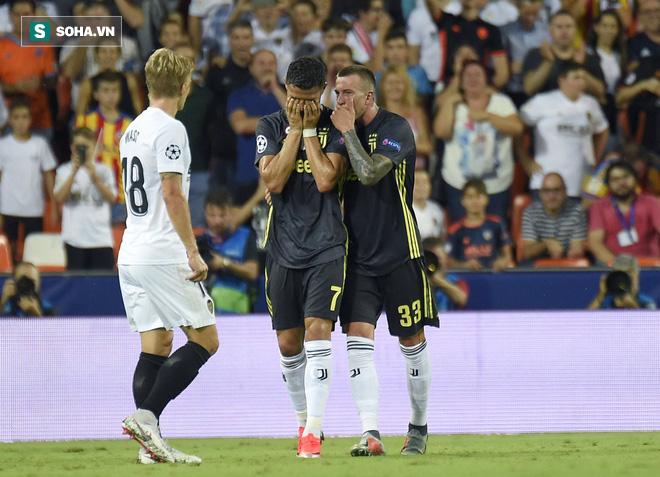 Ronaldo chính thức nhận phán quyết về tấm thẻ đỏ tại Champions League - Ảnh 1.