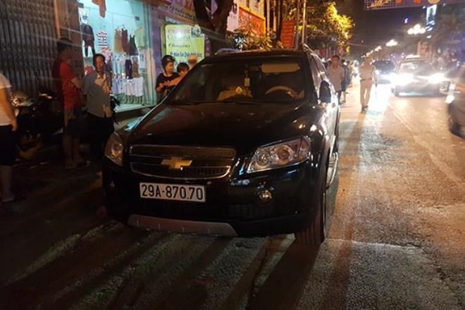 Danh tính 3 đối tượng đi ô tô, táo tợn dùng vũ khí cướp tiệm vàng ở TP Sơn La - Ảnh 2.