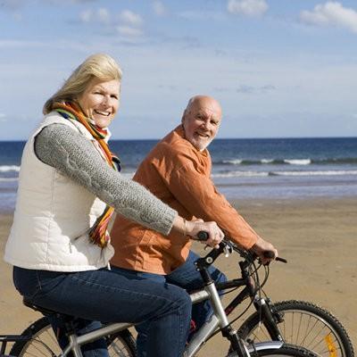 5 cách để sống khỏe mạnh sau khi bị ung thư vú - Ảnh 1.