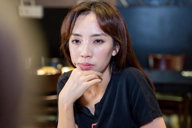 Thu Trang: Xuất thân gia đình giàu có, phá sản sống khổ cực và cuộc tình đặc biệt với Tiến Luật - Ảnh 1.