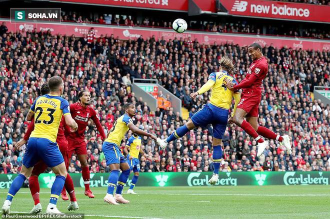 Hẹn nhau trút cơn mưa bàn thắng, Man City và Liverpool chễm chệ trên đỉnh Premier League - Ảnh 1.