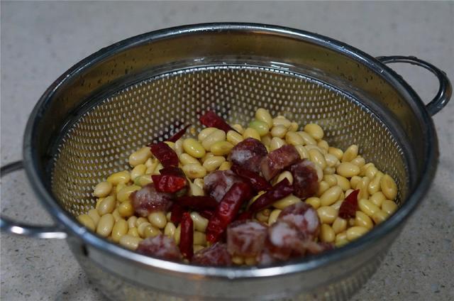 Món ăn giàu canxi già trẻ đều cần nổi tiếng Đông y: Ăn đều đặn không lo bệnh xương khớp - Ảnh 4.