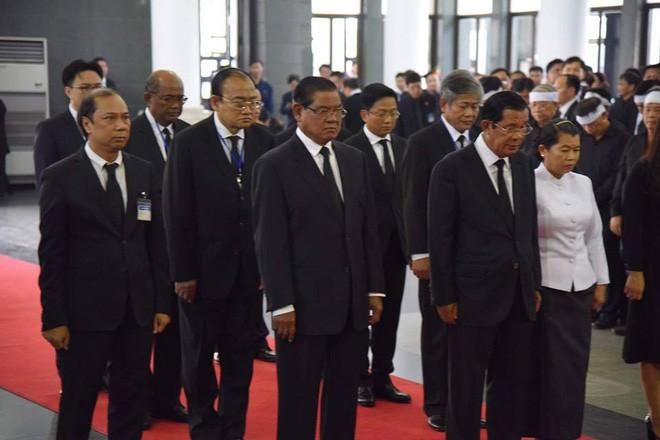 Thủ tướng Campuchia và Thủ tướng Hàn Quốc đến viếng Chủ tịch nước Trần Đại Quang - Ảnh 1.