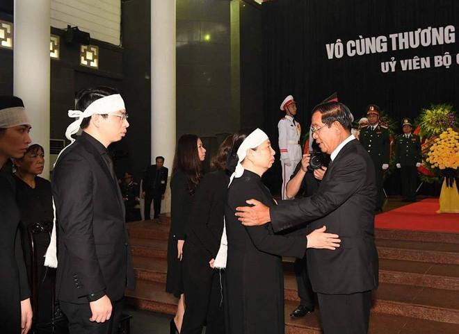 Thủ tướng Hàn Quốc ghi sổ tang: Chủ tịch nước Trần Đại Quang là nhà lãnh đạo cả thế giới tôn trọng - Ảnh 3.