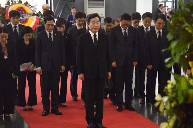 Thủ tướng Hàn Quốc ghi sổ tang: Chủ tịch nước Trần Đại Quang là nhà lãnh đạo cả thế giới tôn trọng - Ảnh 4.